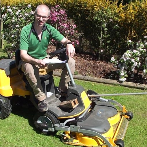 Picture of a Stiga Park 120 ride on lawnmower