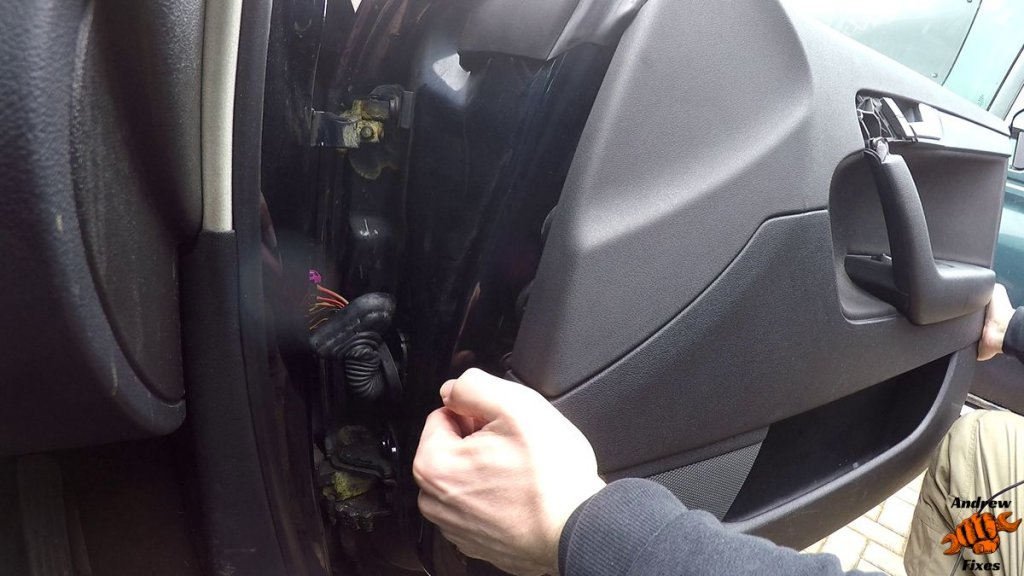 Picture showing Audi A3 door card removal