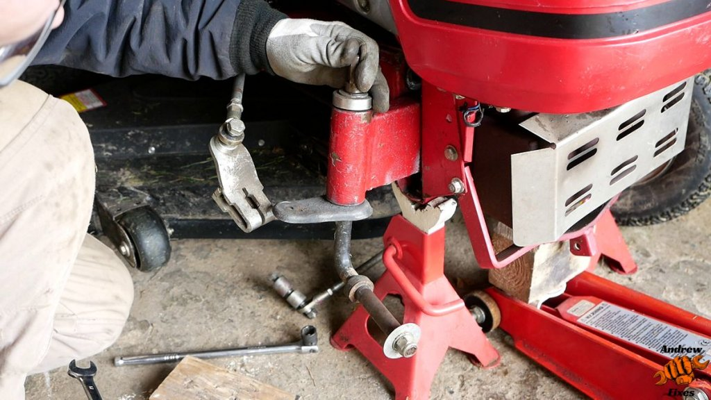 Picture showing removal of the stub axle on a Countax C300H